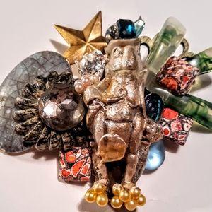 Wendy Gell vintage Jiminy Cricket brooch jewels